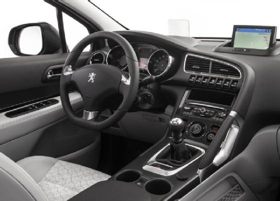 Peugeot 3008 Hybrid >> Autoesittely Peugeot 3008 2014 Autotalli Com